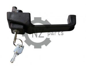 Ручка двери 80-6105300-А1 Левая с ключом