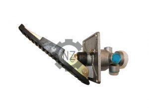 Педаль тормоза (в сборе с клапаном) LY60F SDLG
